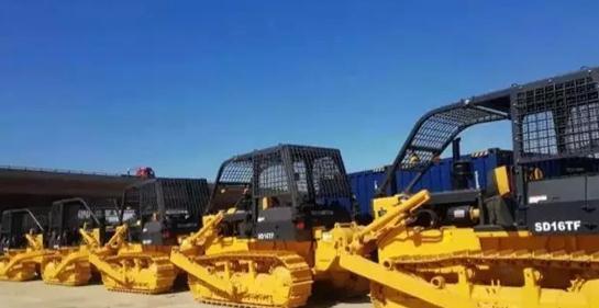 山推西非市场签订批量伐木型推土机订单