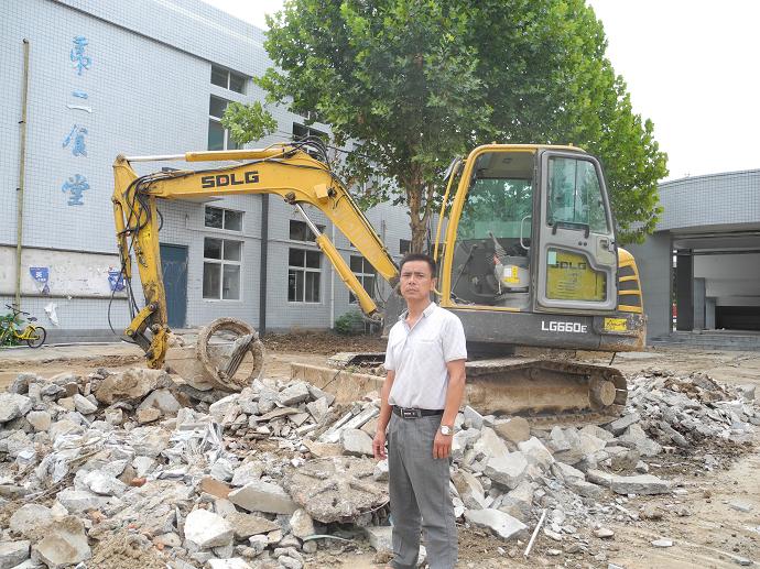 經營挖掘機15年,臨工挖掘機用著最順手