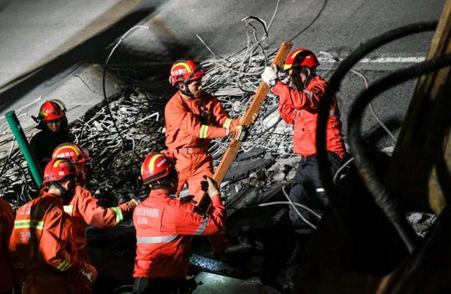 无锡高架桥坍塌,救援现场实拍(组图)