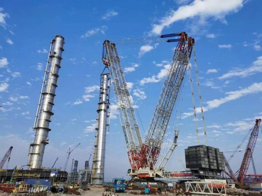 中核机械3200吨履带起重机 浙石化二期首吊告捷