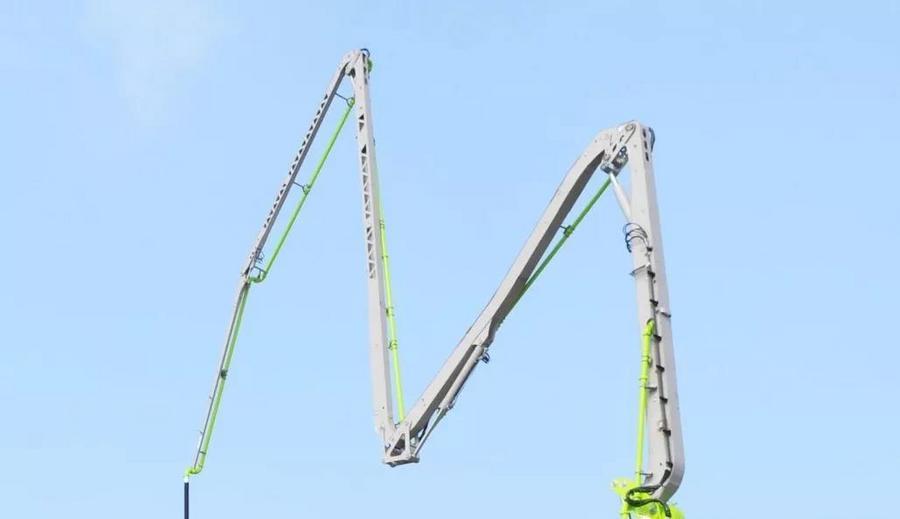 泵车界中的轻量化标杆 中联5桥67米泵车究竟有哪些新亮点?