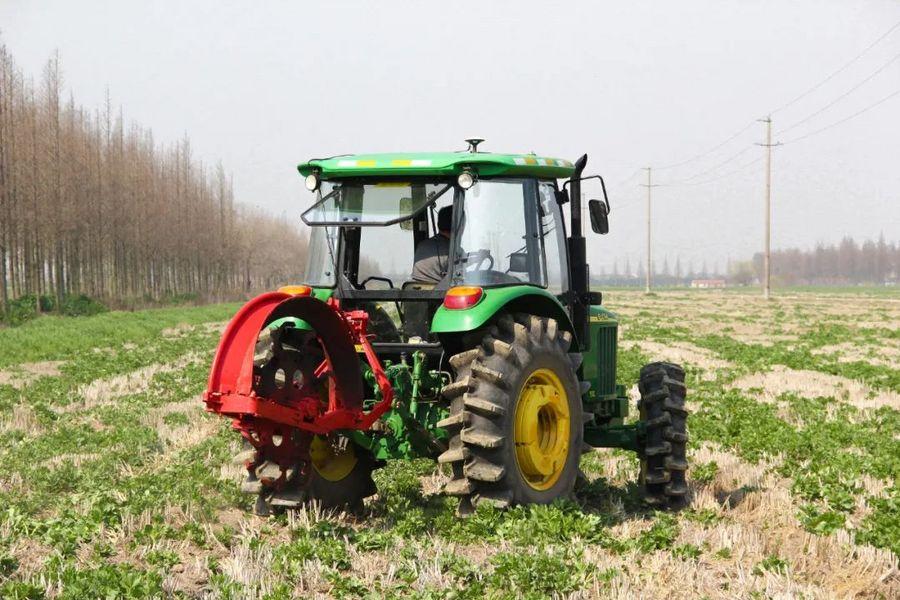 """【技术流】农机也能自动驾驶了!还拥有翻地、播种、收割等""""十八般武艺""""!                       _亚搏体育APP网站"""