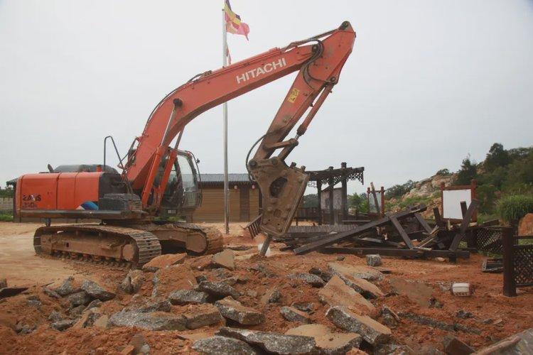 出動50人,3臺挖機!莆田有人在農田違建被強拆了