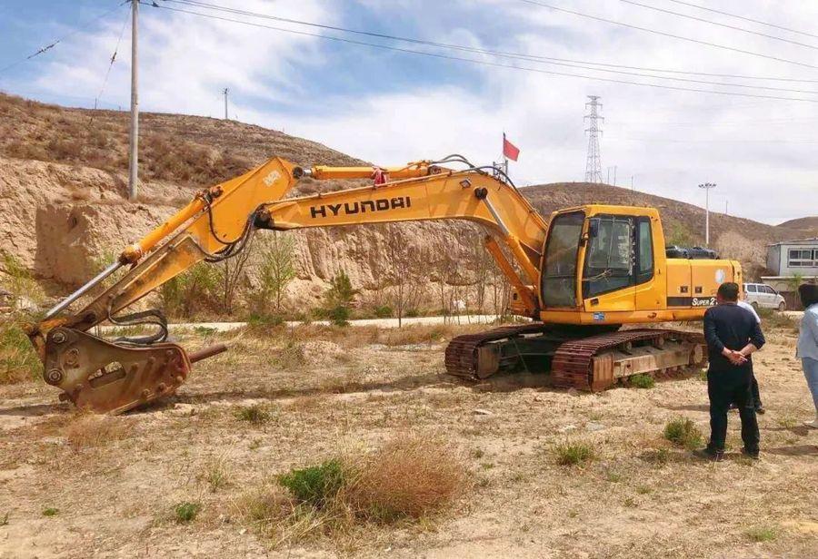 一台挖掘机的故事——失而复得的现代215-7C!