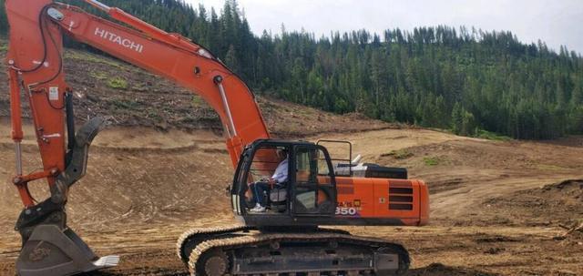【趣闻】基石变基建?前NBA球员萨克雷秀出开挖掘机照片