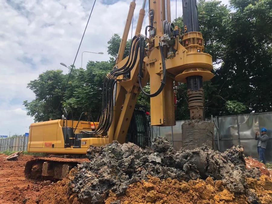 北京中车重工TR228H旋挖钻机在华侨城基坑支护施工展雄姿