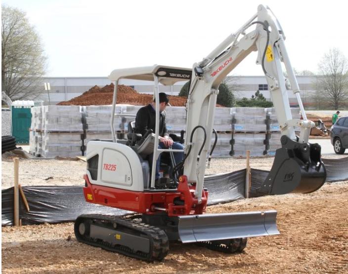 【新品】竹内美国公司推出新型TB225挖掘机