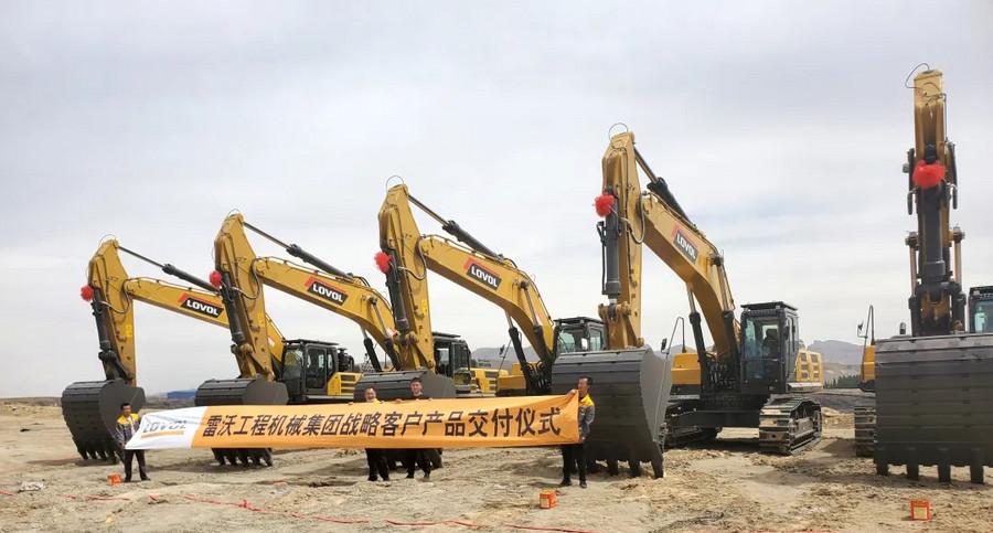 追加大单!雷沃工程机械集团内蒙古战略客户交机