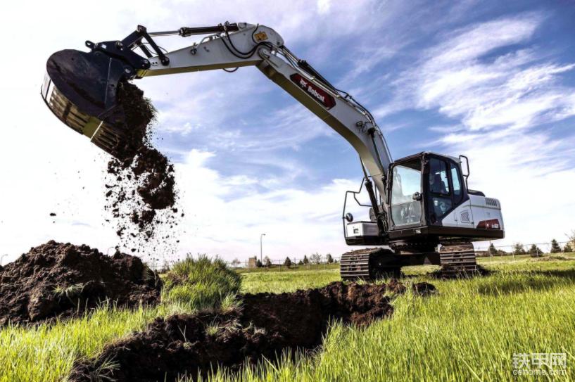 【新品】山猫的新型17吨级E165是其最大的挖掘机