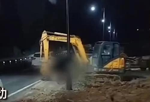 """""""湖北男子开挖掘机拍死堂弟事件""""后续,警方这样回应"""