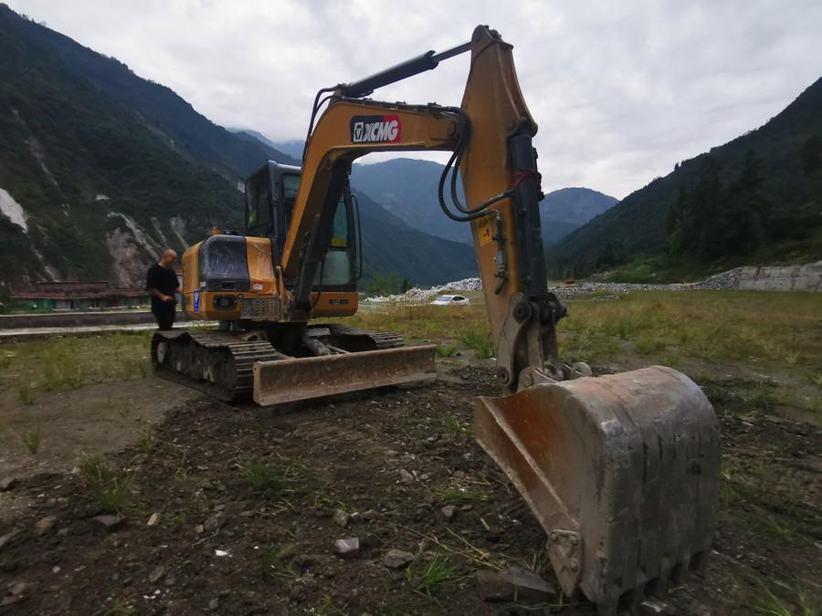 鐵甲訪談:四川雅安地震之后,為什么小徐工挖越來越受歡迎?