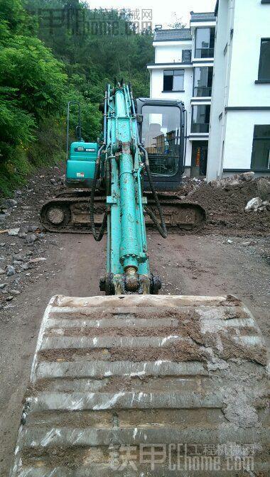 挖掘机保养  挖掘机的停放方式解析