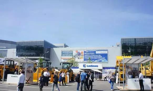 柳工14台设备惊艳俄罗斯建筑及机械展