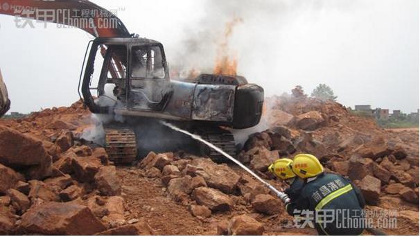 沃尔沃挖机专家: 如何避免挖掘机自燃
