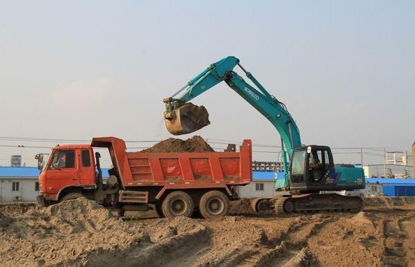 挖掘机司机必学的12条安全操作规则