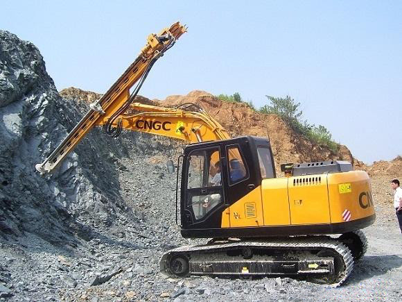 江麓用挖機成熟技術開發多款液壓鑿巖機