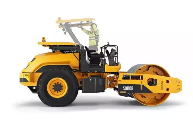 沃爾沃新型單鋼輪壓路機在濟南研發成功