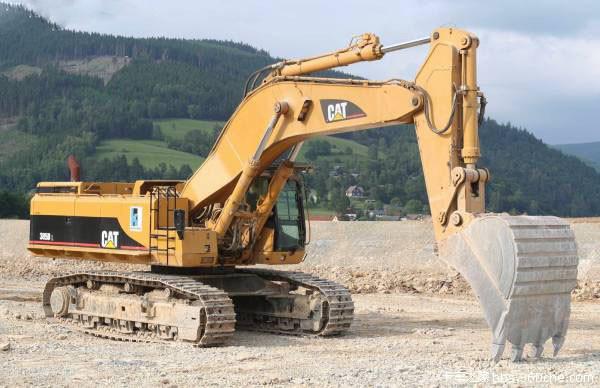 挖掘機安全十二原則 挖掘機司機要必學