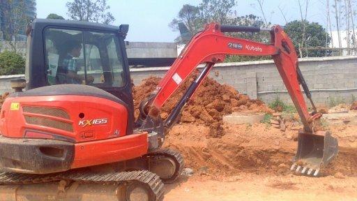 久保田挖掘機鏈條松掉脫鏈原因及修理