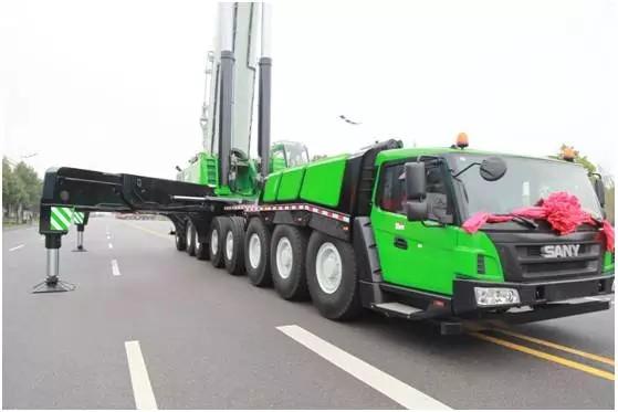三一600噸級全地面起重機交付國際客戶