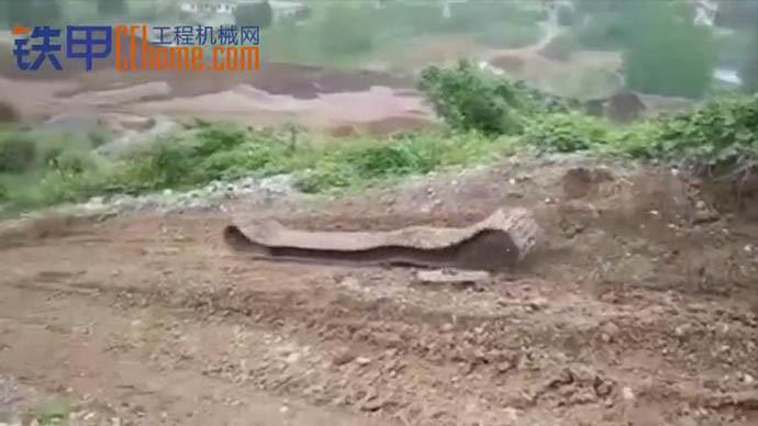 【甲友圈视频】见过如此顺滑的履带吗?