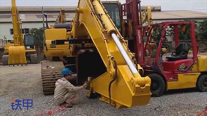 【眼界】小松挖掘机重新喷漆 分分钟变新机