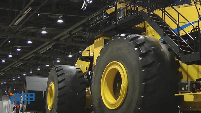 【眼界】欣赏,见过这么大的轮式装载机吗?