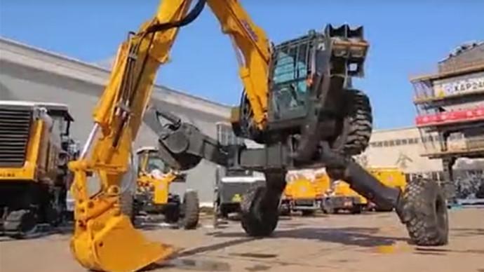 【眼界】見過這么酷炫爬大坡的蜘蛛挖掘機嗎