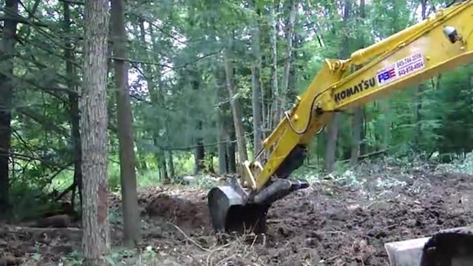 【眼界】挖机作用大 能挖坑来能挖沟