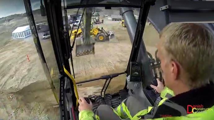 【眼界】挖機駕駛室的視角好有張力 你體驗過嗎