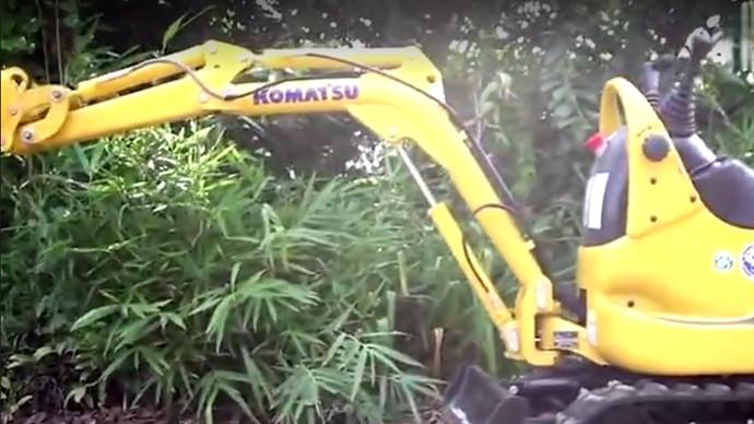 【机械公元】小松PC01迷你液压挖掘机,机身总重仅为300公斤