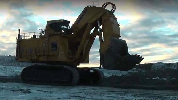 【眼界】小松pc8000这么大的挖机你见过吗(上)