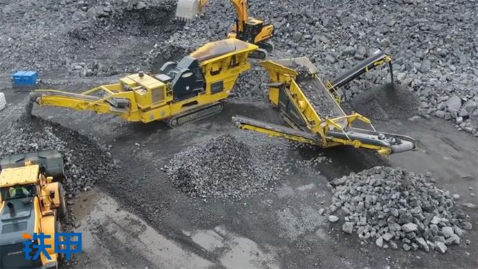 【眼界】航拍震撼的作业场地,挖机铲车搭配干活不累!