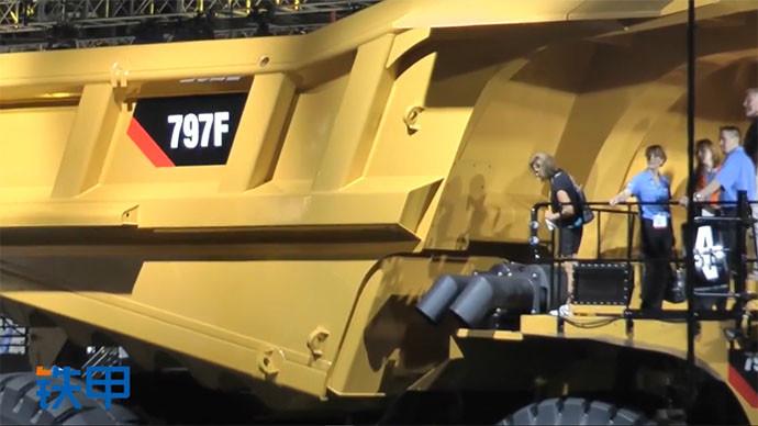 【眼界】1998年矿卡卡特彼勒797F,326吨载重!