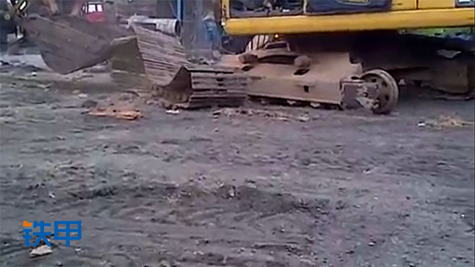 【眼界】履带掉了?小松挖掘机穿鞋全过程!