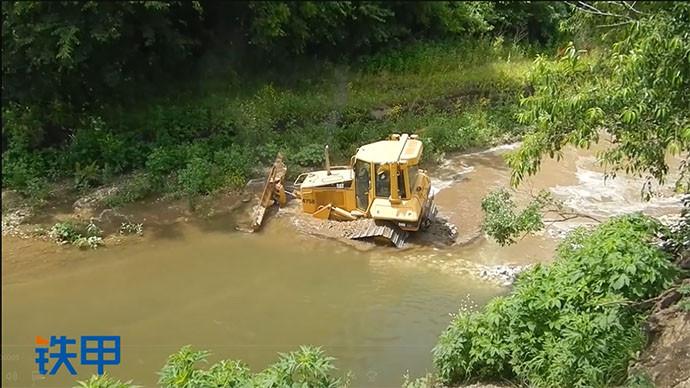 【眼界】熟練的老司機從小溪里拯救他的卡特