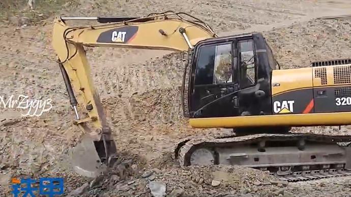 【眼界】灾难过后小能手挖机的抢救工作