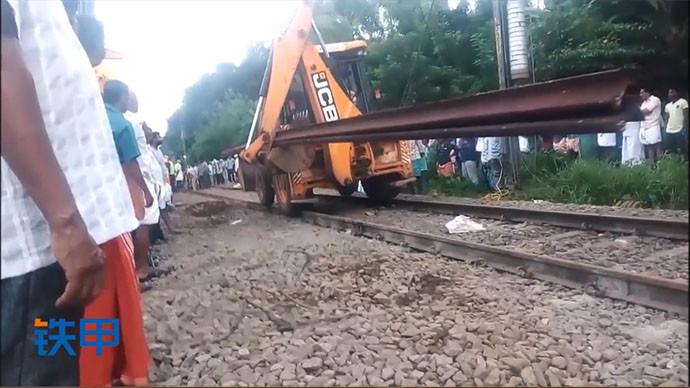 【眼界】火车轨道施工,众人围观