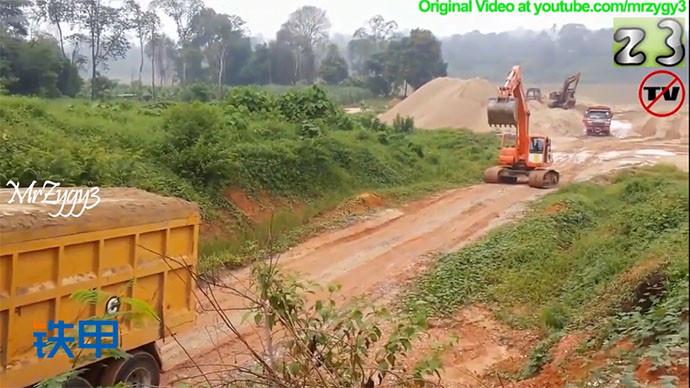 【眼界】斗山225LCV挖掘機幫助沃爾沃卡車行走!