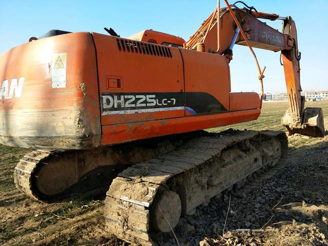 想買臺20噸挖機,為何相中了斗山DH225LC-7?
