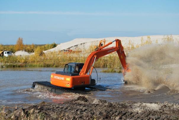 水陆挖掘机出租价格一般多少钱?真便宜啊