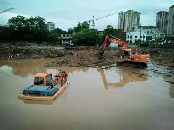 租赁知识,水陆挖掘机租赁的5个细节你观察过了吗?