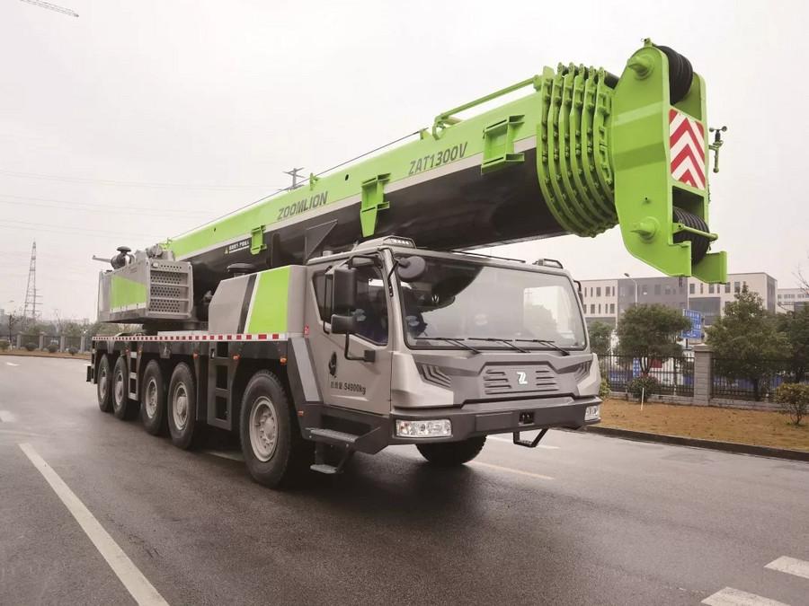 130吨全地面起重机ZAT1300V753