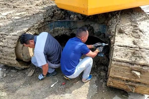挖掘机司机