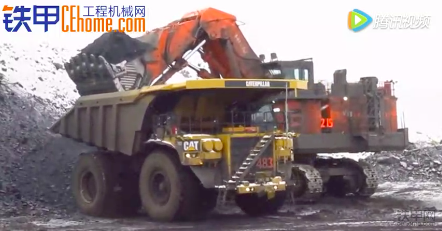 煤礦搭檔:日立5500挖掘機和卡特793F裝載機