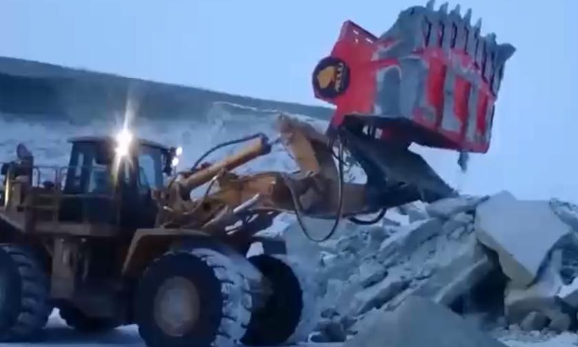 超級工程機械科技:巖石篩分機及砂篩機!
