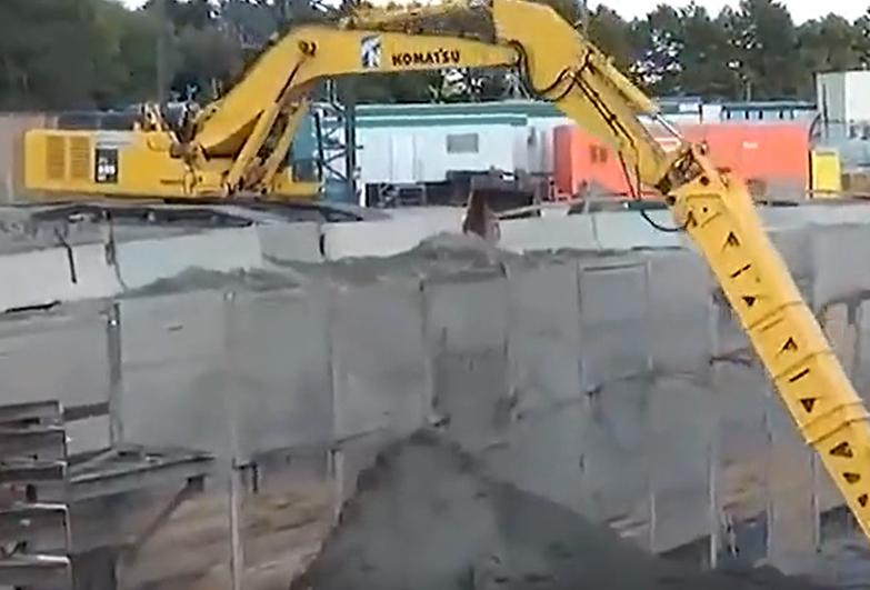 危险性极高的挖掘机作业集合视频