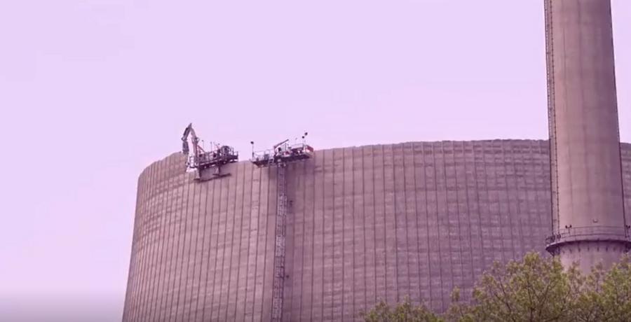 在162米高的冷卻塔上施工,一般人做不來!