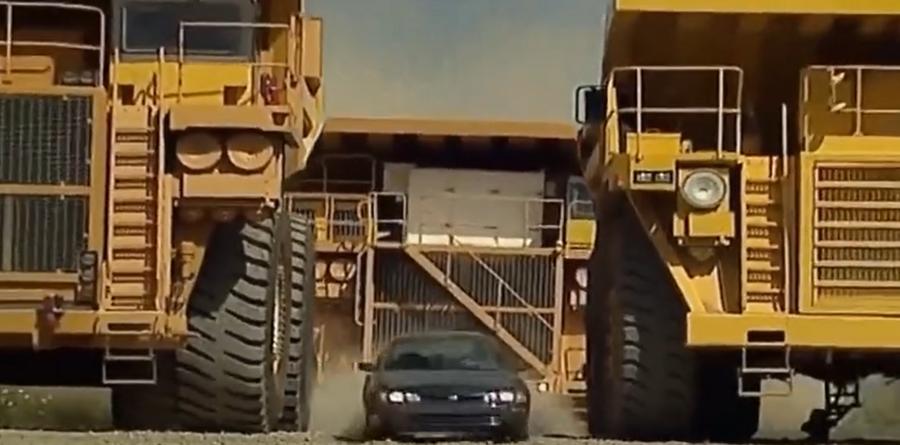 能原地360°掉头的超级卡车!