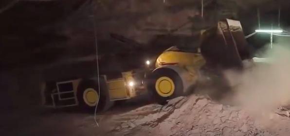 """世界最矮""""鏟運機"""",高度不到160,專門用來挖金礦!"""